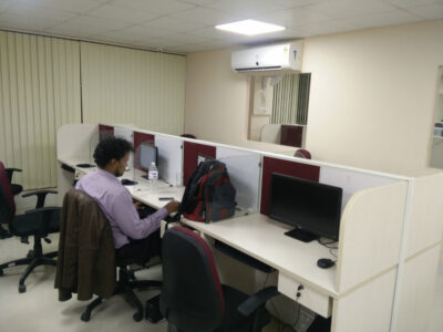 loginwood_pune_office_furniture_project_sites_32